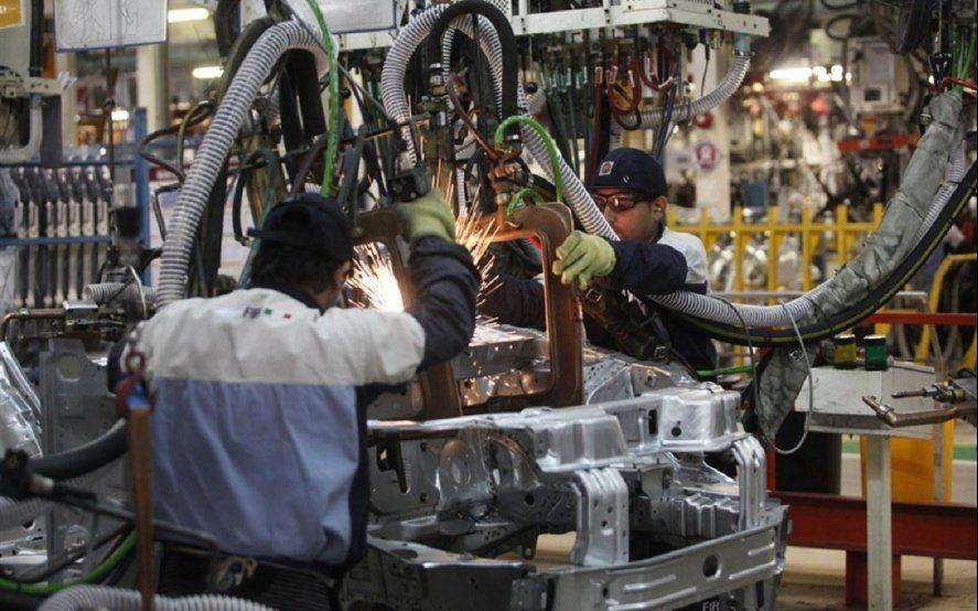 El empleo industrial padeció suspensiones récord durante el sexto mes del año