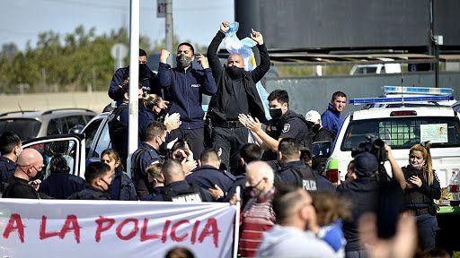Kicillof anunció aumentos para la Policía Bonaerense.