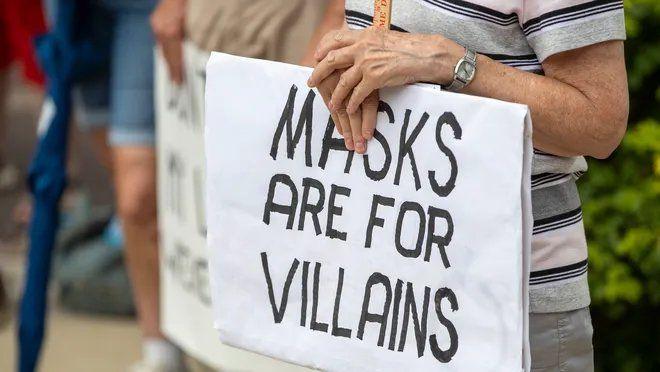 Los anti-mask cavarán tumbas para los muertos por Covid en Indonesia (https://www.indystar.com/story/news/local/2020/07/27/anti-mask-protesters-indianapolis-claim-governmental-overreach/5520232002/)