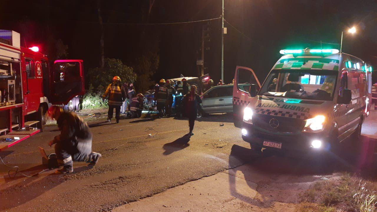ensenada: violento accidente de transito entre tres vehiculos