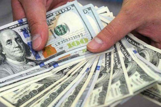 El dólar blue bajó en la primera jornada del año