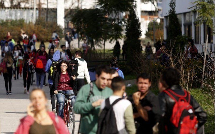 Los beneficios gratuitos que todo estudiante de la UNLP tiene y desconoce