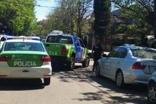 siete poliladrones robaron en una casa tras reducir a una pareja y una nena