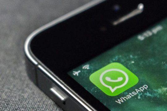 como hacer para que no aparezca el en linea y escribiendo en whatsapp