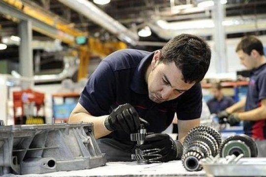 En septiembre el empleo registrado en la industria aumentó por cuarto mes consecutivo y alcanzó el nivel prepandemia.