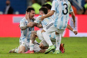 Lionel Messi llora al ser campeón Argentina de la Copa América