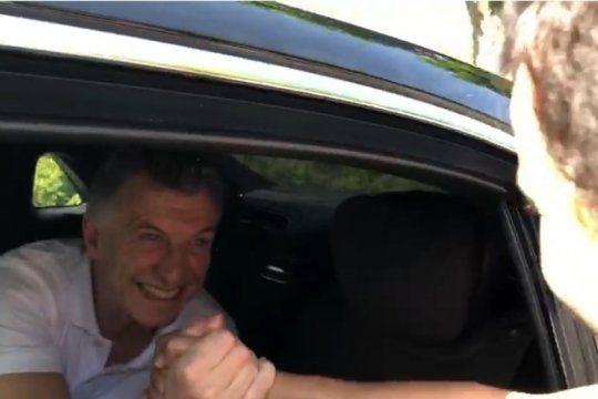 mira el video del escrache contra mauricio macri en la sede de la fifa