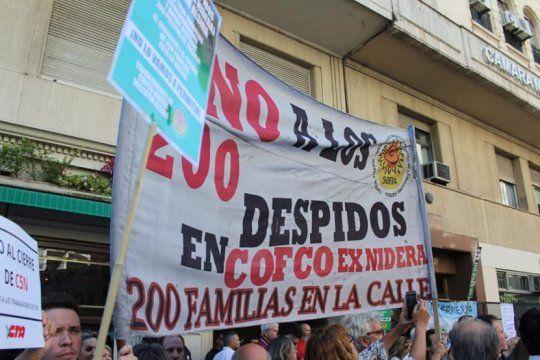 trabajadores despedidos de la aceitera cofco marcharan al ministerio de trabajo para exigir su reincorporacion