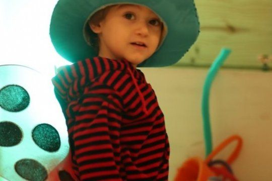 tiene 4 anos, necesita implantes para escuchar, pero ioma le niega el tratamiento