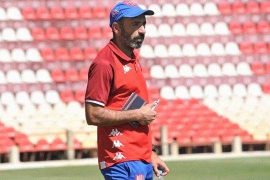 Juan Manuel Azconzábal, ex DT y jugador de Estudiantes.