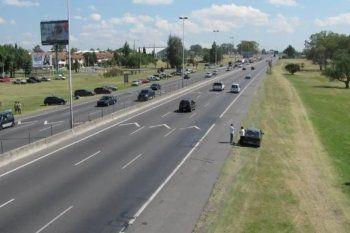 Buscan a dos motochorros que por tirotearse con un policía mataron a un hombre