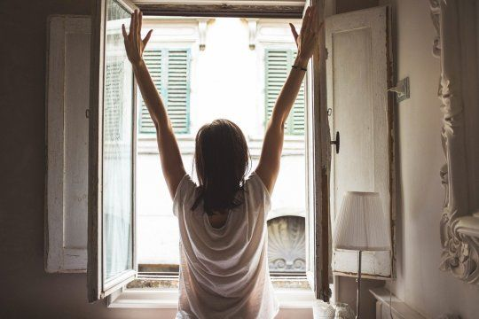 Las ventanas deben permanecer abiertas constantemente