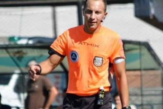 furia en bahia: un arbitro perjudico abiertamente a olimpo y la superliga lo premio
