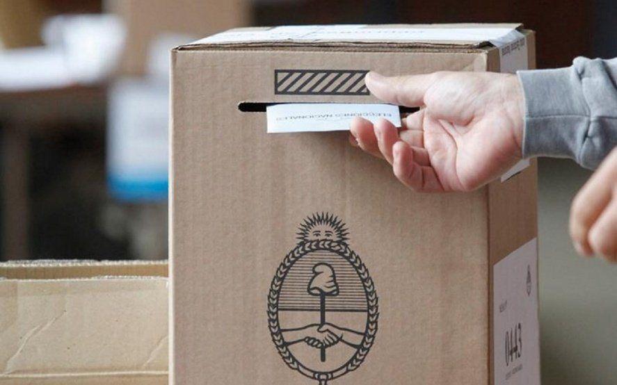 Elecciones: Es falso que se impugnará el voto si se cierra el sobre con saliva