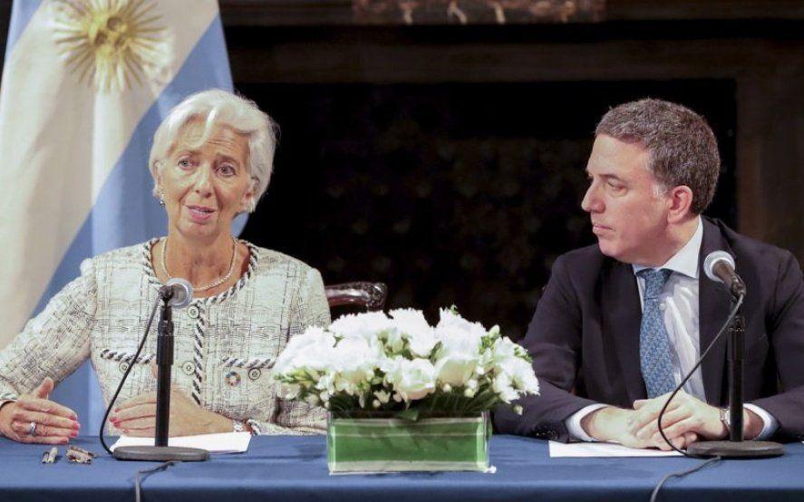 En medio de la convocatoria del gobierno a la oposición, llega una nueva misión del FMI