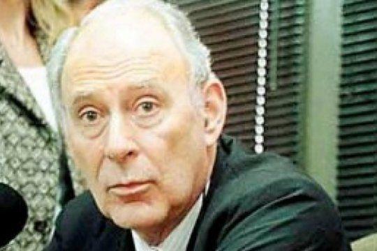 el fiscal nieva woodgate fue suspendido y enfrentara un juicio oral y publico