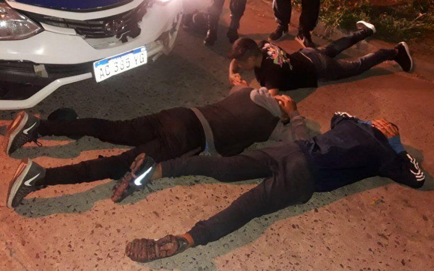 La Plata: tienen 13, 15 y 16 años y cayeron acusados de robar una docena de veces desde enero pasado