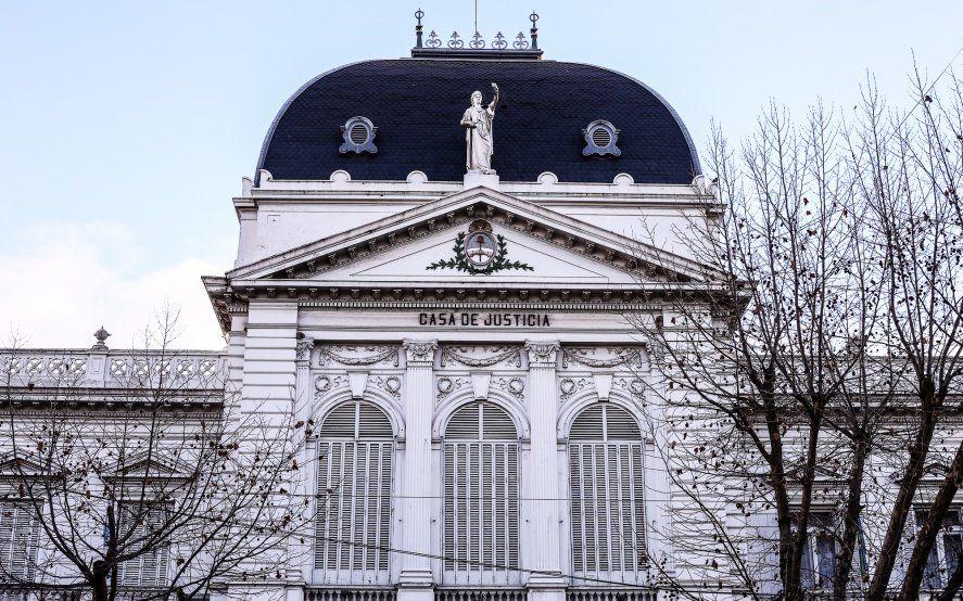 La Corte aprobó turnos web y la habilitación de juzgados en tres distritos