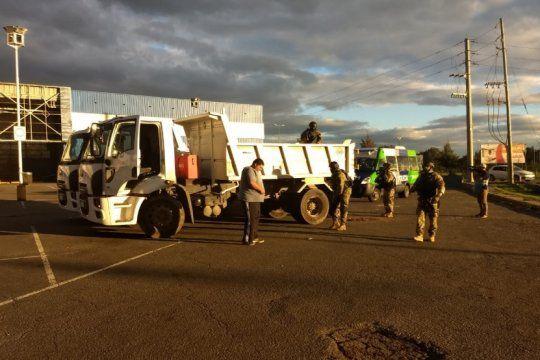 la plata: policias ingresaron en camiones municipales a un barrio para desbaratar una banda narco