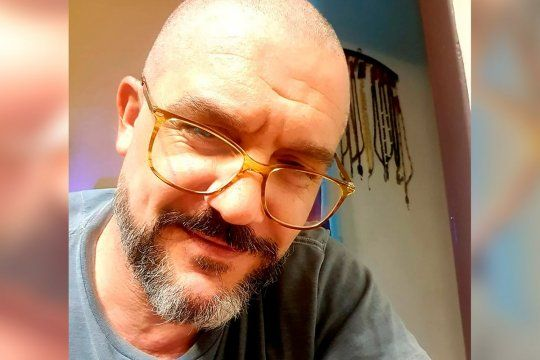 Maxi Ghione se someterá a una operación para recuperar su audición.