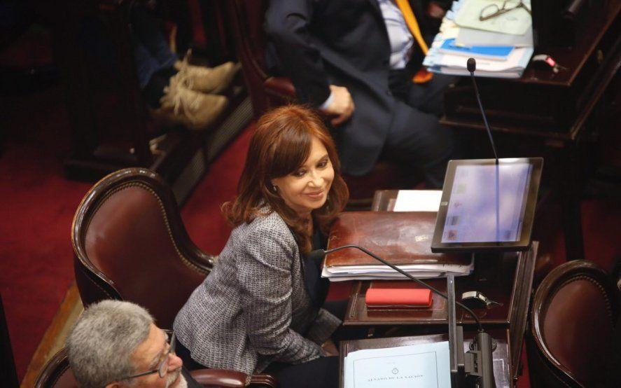El primer juicio oral contra Cristina Kirchner comenzará un mes antes del cierre de listas