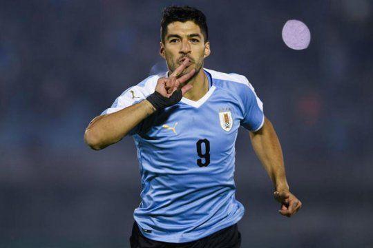 El pistolero: Suárez es el delantero más temible de la Copa y está en el grupo de Argentina.