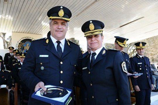 vidal paso a retiro a seis comisarios generales de la policia bonaerense