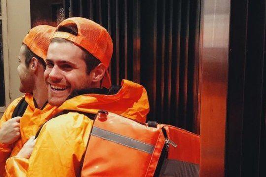 gaston soffritti se disfrazo de repartidor para halloween y lo destrozaron en las redes