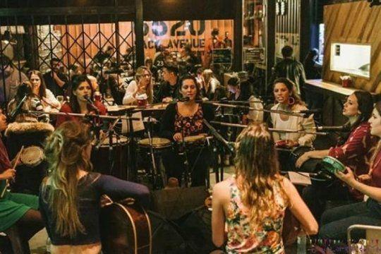 adelantate al fin de semana: esta nocheen la plata hay roda de samba de la mano de una banda de mujeres