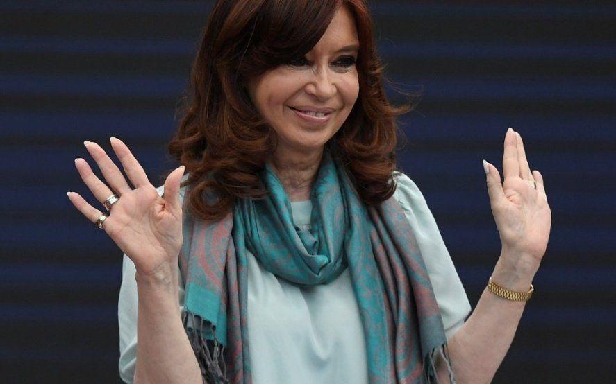 Se suman sondeos que dan ganadora a CFK en primera vuelta y en ballotage