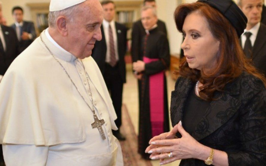 "Cristina Kirchner citó al Papa Francisco para insistir en que es víctima de ""persecución política"""