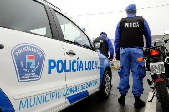 Un oficial de la Policía Local fue desafectado acusado de afeitar la cabeza a dos menores
