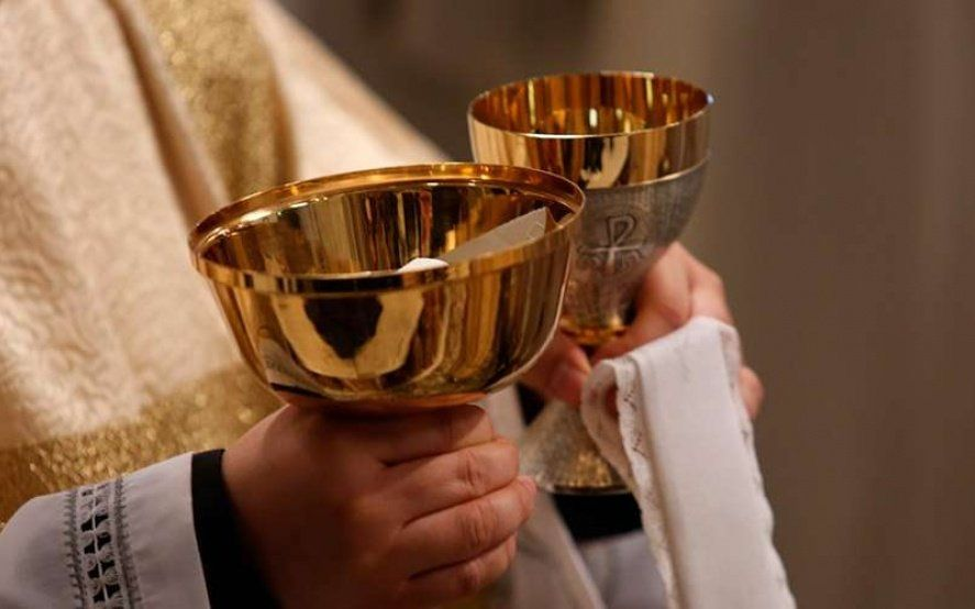 Sacramento, ¿libre de gluten? Cómo comulgan los celíacos en las Iglesias de Argentina