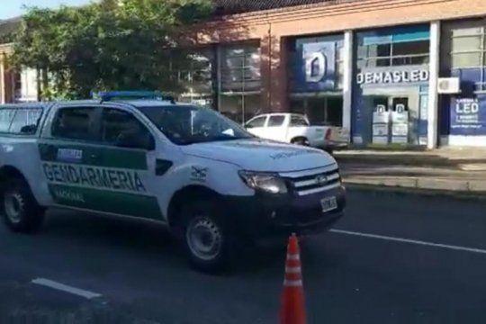 coronavirus: gendarmeria recorre las calles y por altoparlantes recomienda no salir de las casas