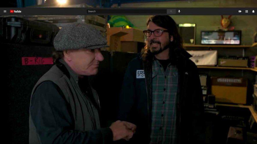 """Brian Johnson y Dave Grohl coinciden sobre el pogo """"argento""""."""