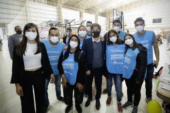 Axel Kicillof recorrió un vacunatorio en Tres Arroyos.