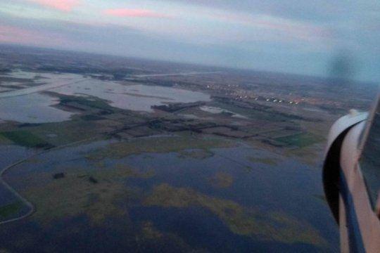 impresionantes imagenes de la inundacion en dolores: desde el municipio aseguraron que no hay peligro