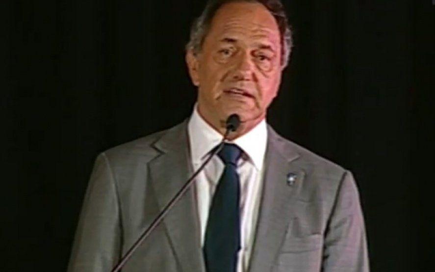 Scioli presentó sus propuestas para reactivar la economía y ratificó su candidatura presidencial