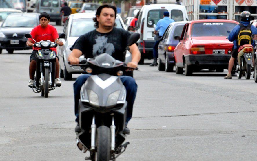 Alarmante: En Argentina seis de cada diez motociclistas no usan el casco y aumentan las muertes por accidente