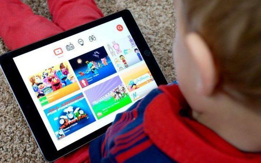 """""""Momo Challenge"""": ¿qué recomienda YouTube para cuidar a los chicos en Internet?"""