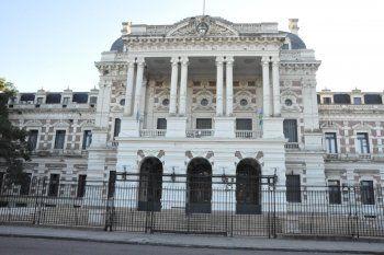 Se viene una dicusión clave en la Provincia: paritaria con judiciales, docentes y estatales