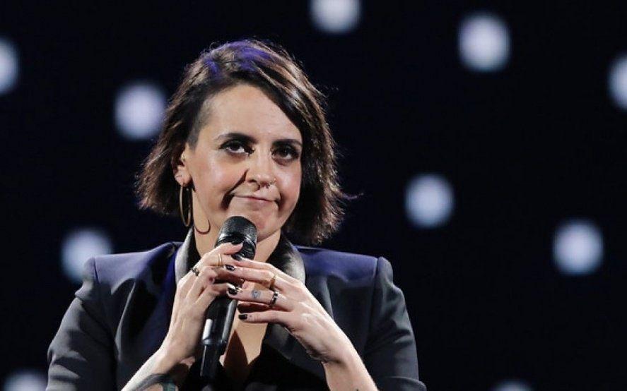 Una comediante feminista tuvo que suspender su show por los abucheos