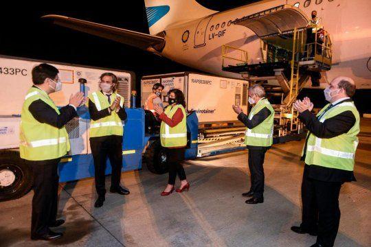 Mañana llega el segundo de los diez vuelos de Aerolíneas Argentinas que forman parte del operativo para traer un total de 8 millones de vacunas Sinopharm desde China