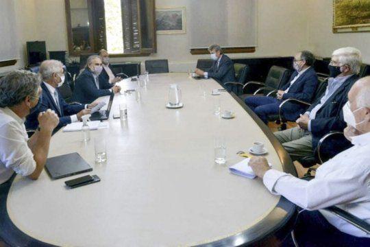 Gobierno avanzó con un acuerdo con el campo para liberar envíos de maíz