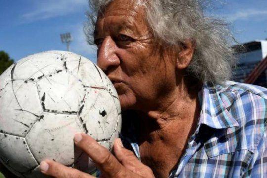mataron al trinche carlovich, la leyenda anonima del futbol argentino que obnubilo a maradona
