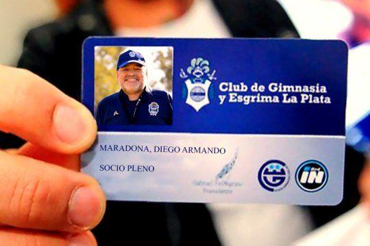 Deigo Maradona, nuevo socio de Gimnasia