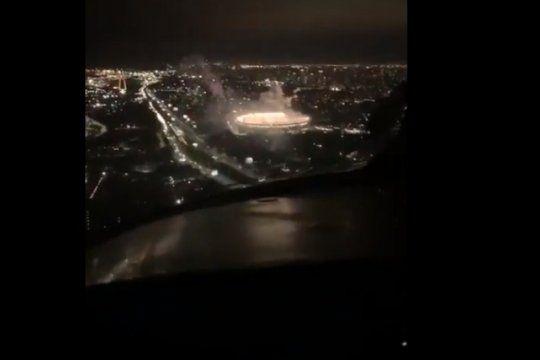 el increible video del recibimiento de los hinchas de river en el monumental visto desde un avion