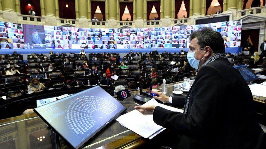 La ley aprobada impulsada por Massa beneficia a casi un millón y medio de monotributistas bonaerenses
