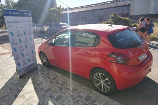 El auto secuestrado en el allanamiento realizado en calle Malvinas al 761