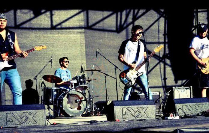 el domingo 7 de febrero a las 17, Traslas Rejas subirá al escenario del Escobar Rock.